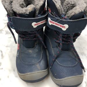 Snow boots. Toddler boy size 8